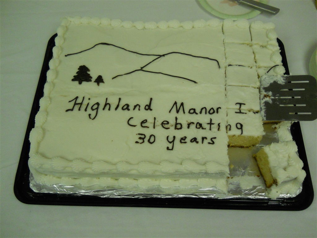 A cake celebrating the 30th birthday of the Highland Manor Inn in the Smoky Mountains.