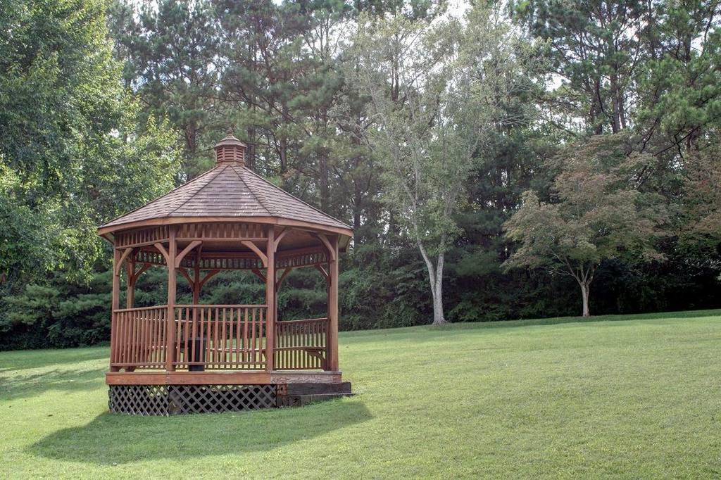 The gazebo at the Highland Manor Inn in the Smokies.